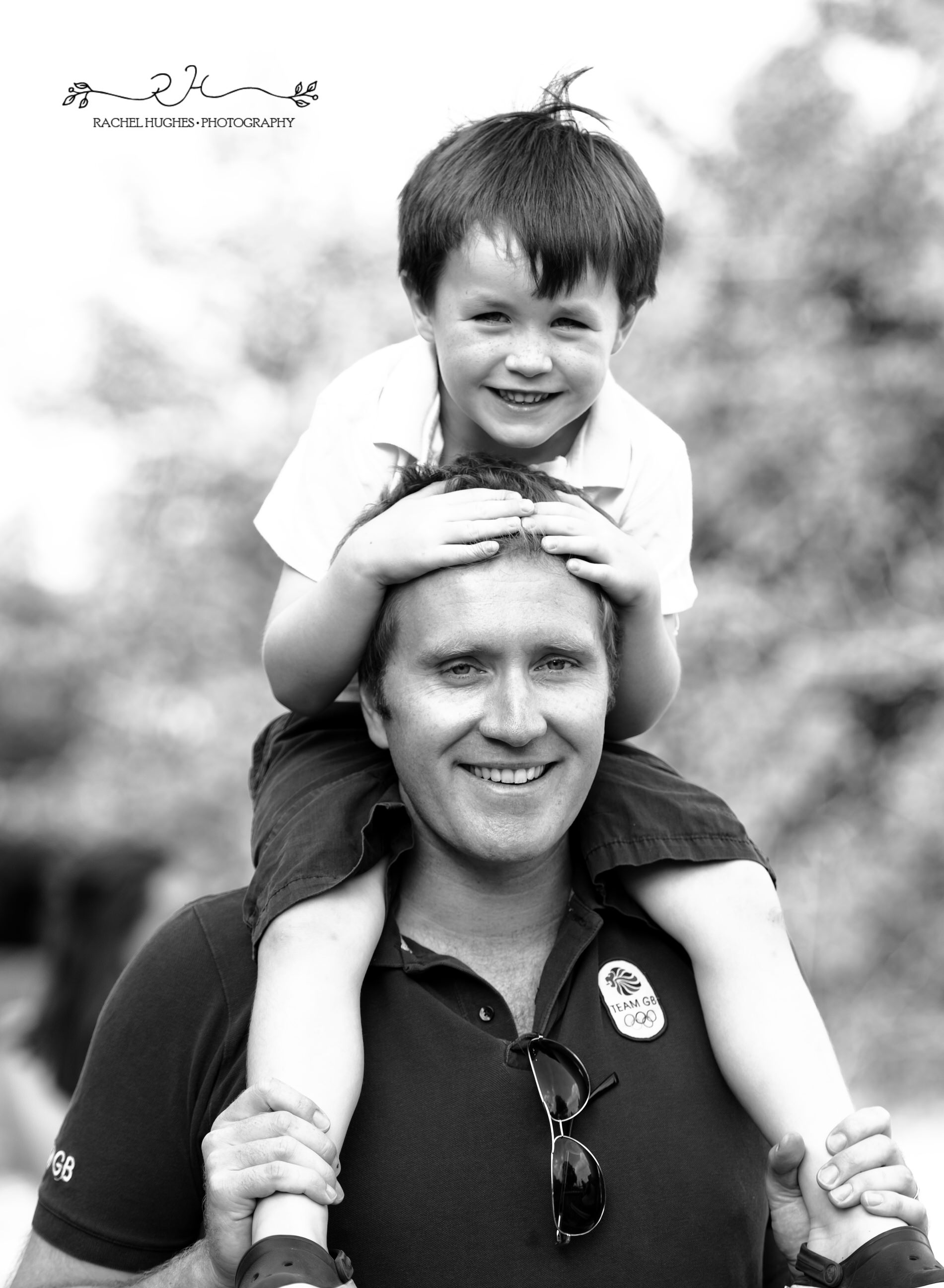 Jersey photographer - boy on Dad's shoulders