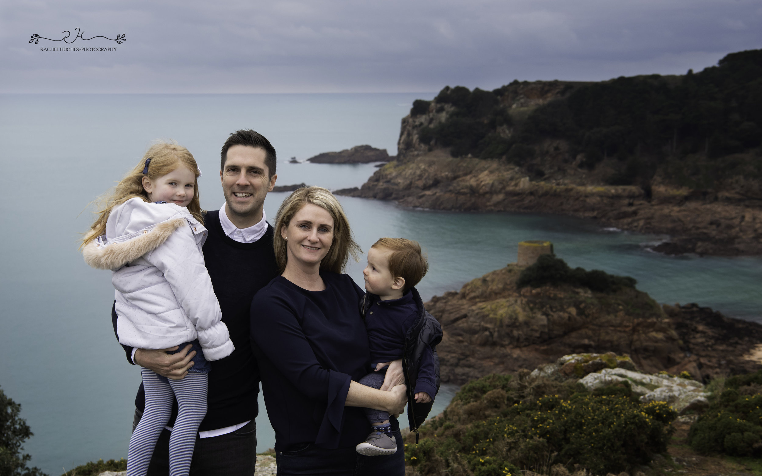 Jersey photographer: family at Portelet Bay