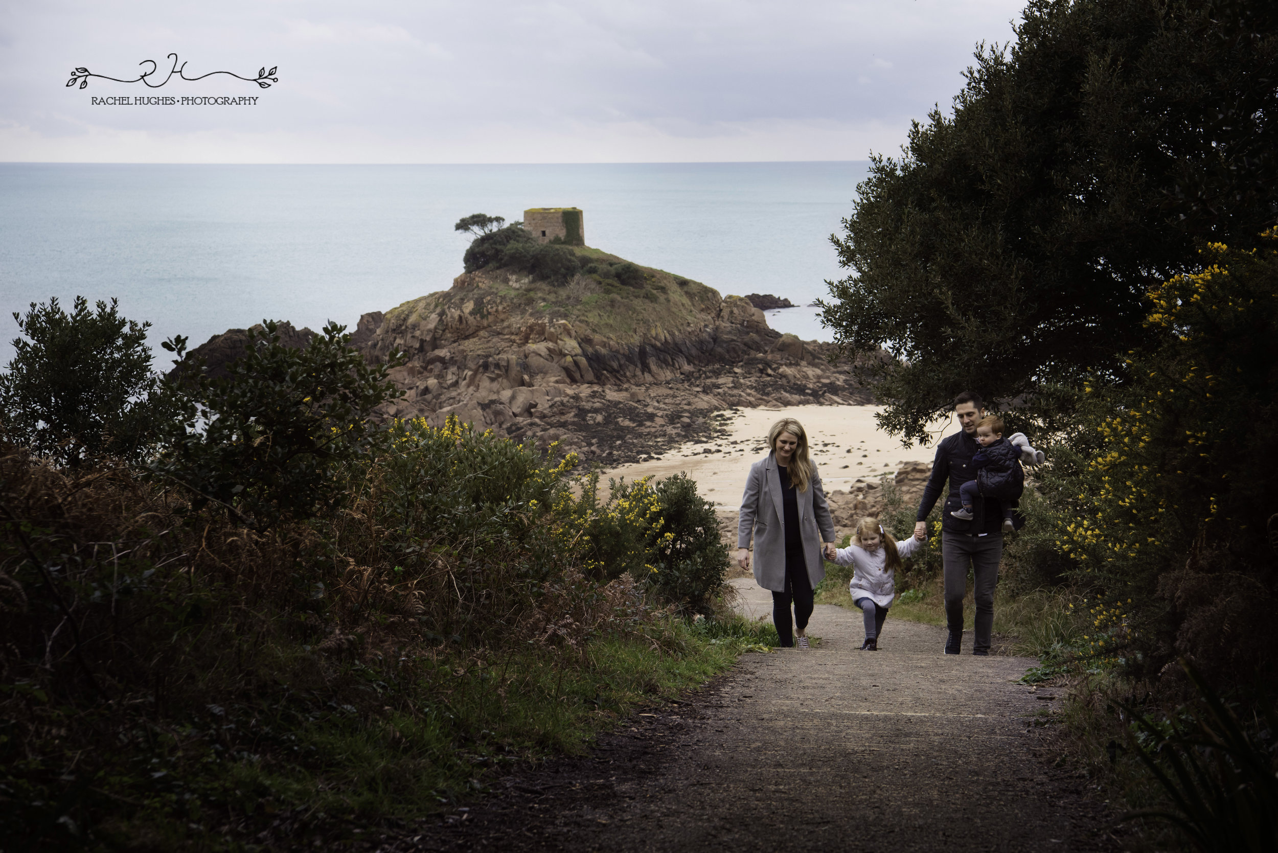 Jersey photographer: family photoshoot at Portelet Bay