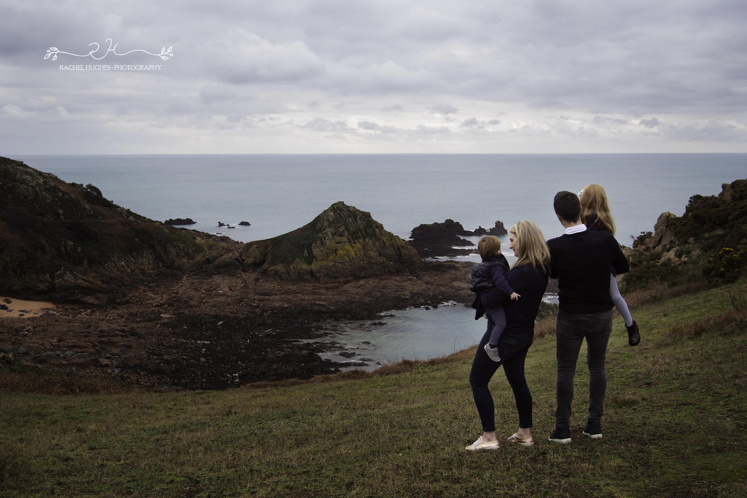 Jersey photographer: family overlooking Portelet Common