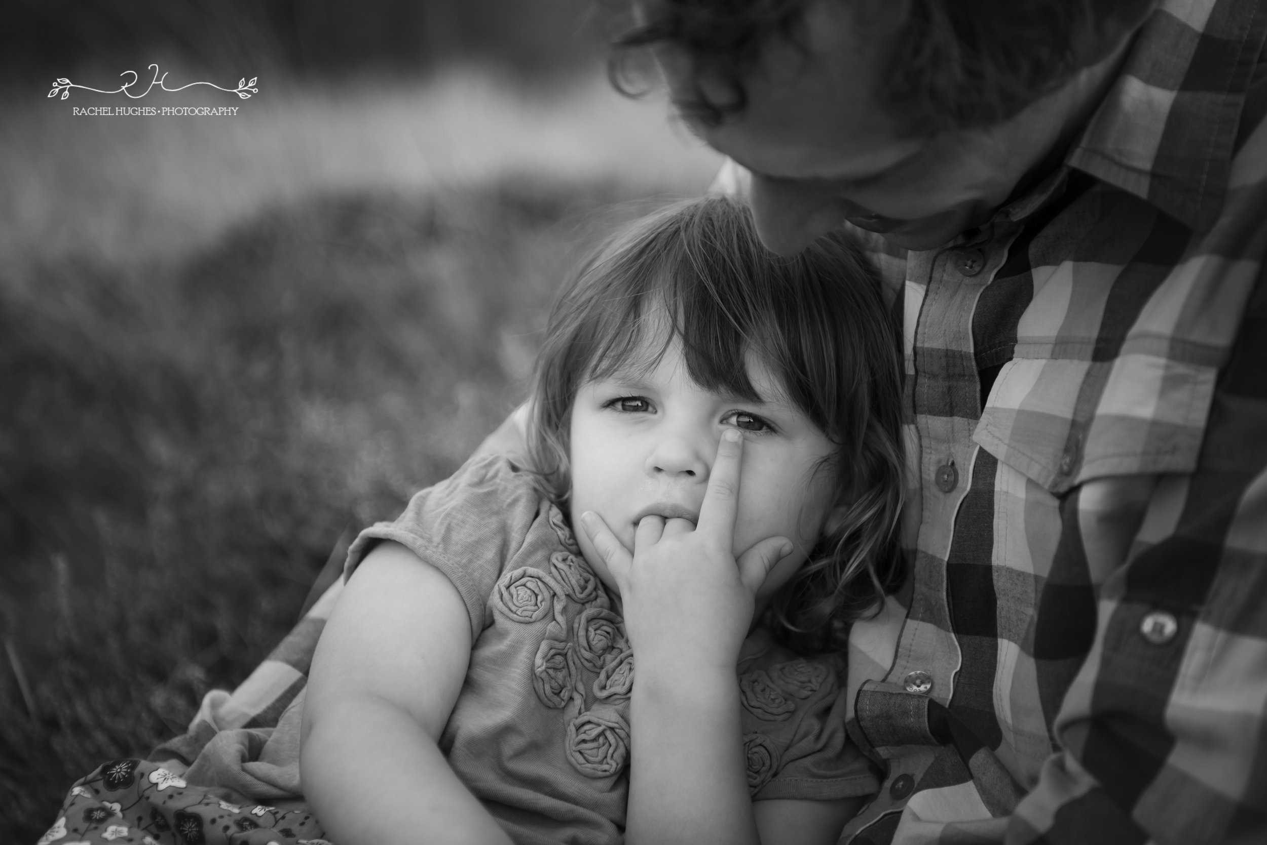Jersey photographer - girl sucking her fingers in daddy's arms