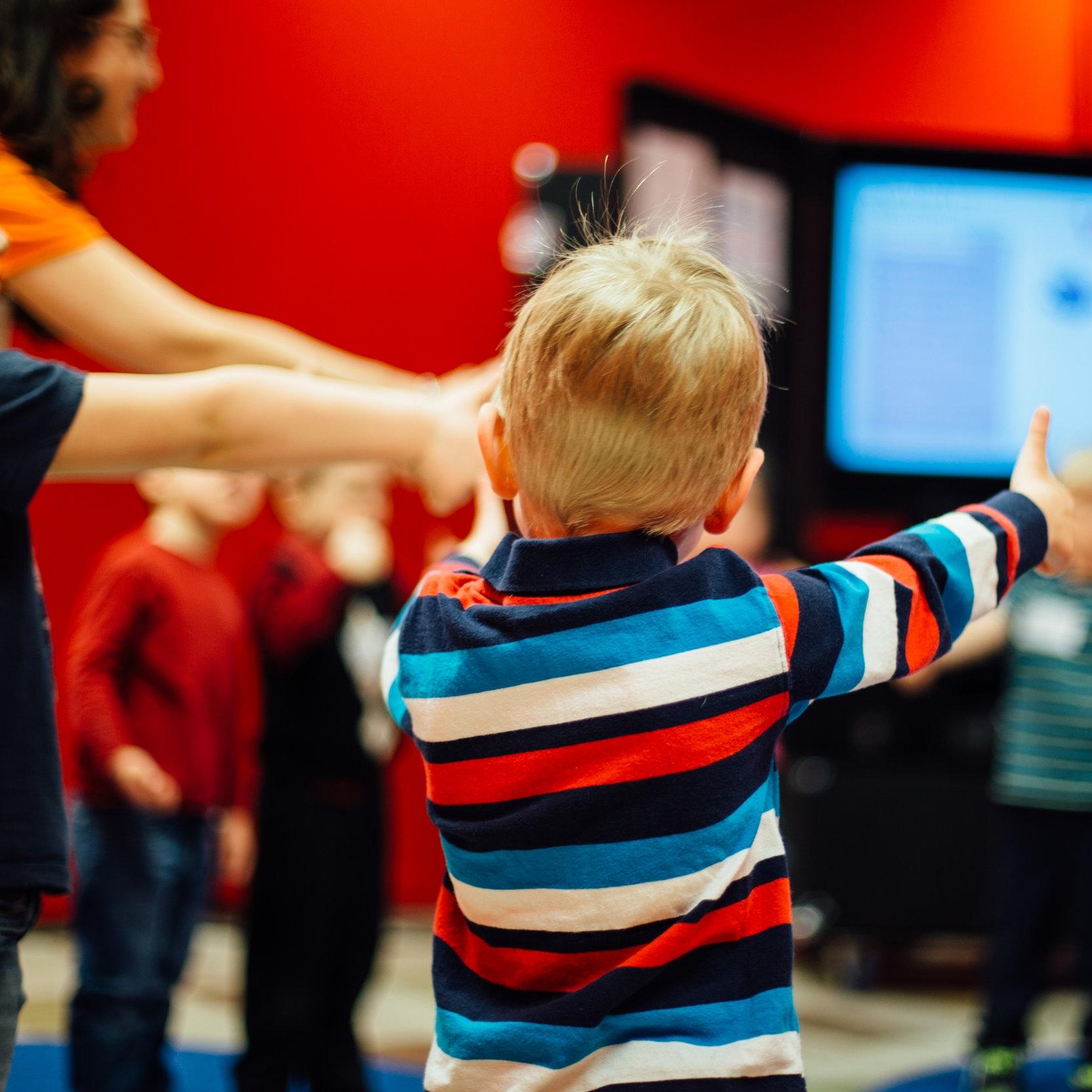 Sanctus Kids - Room Helpers • Teaching • Worship • Activities