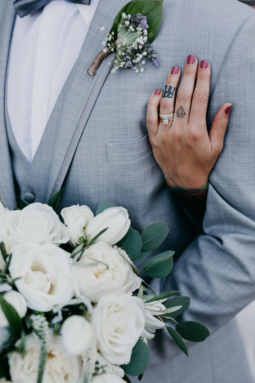 e1377-devlinwedding_romantics18.jpg