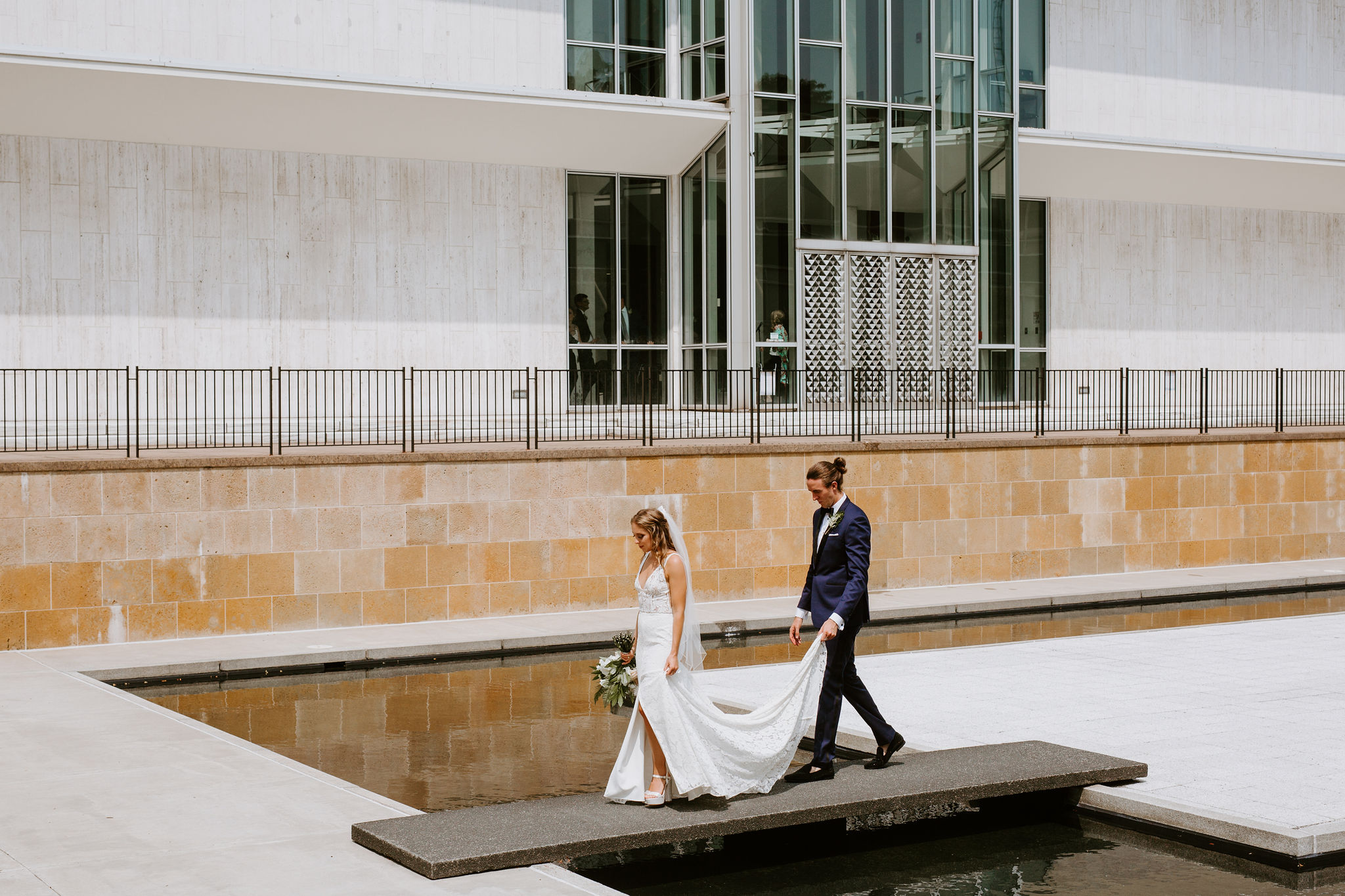 DetroitIndustrialWedding_Geoff&LyndsiPhotography_Alex&Jen_FirstLook44.jpg