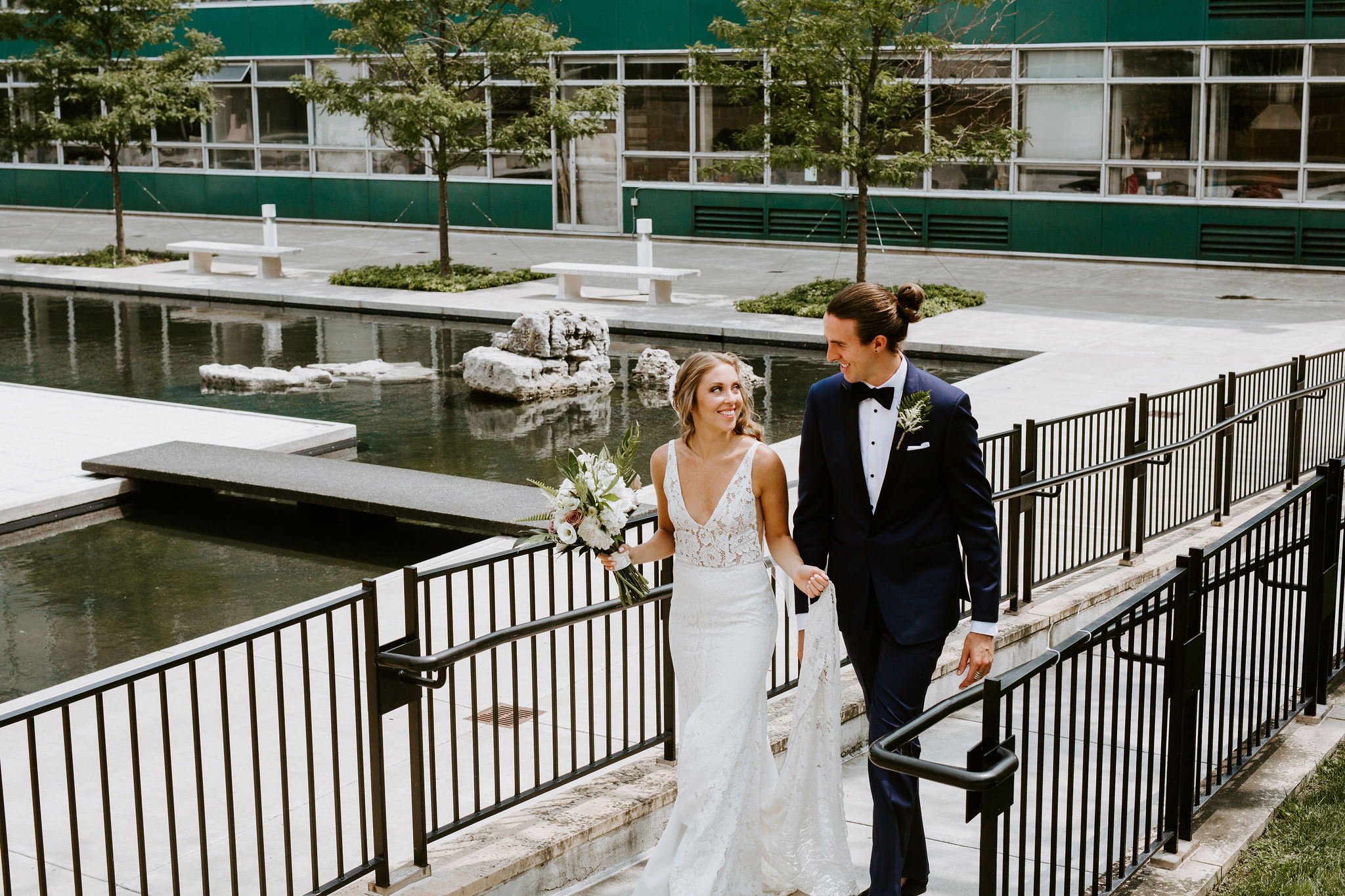 DetroitIndustrialWedding_Geoff&LyndsiPhotography_Alex&Jen_FirstLook46.jpg