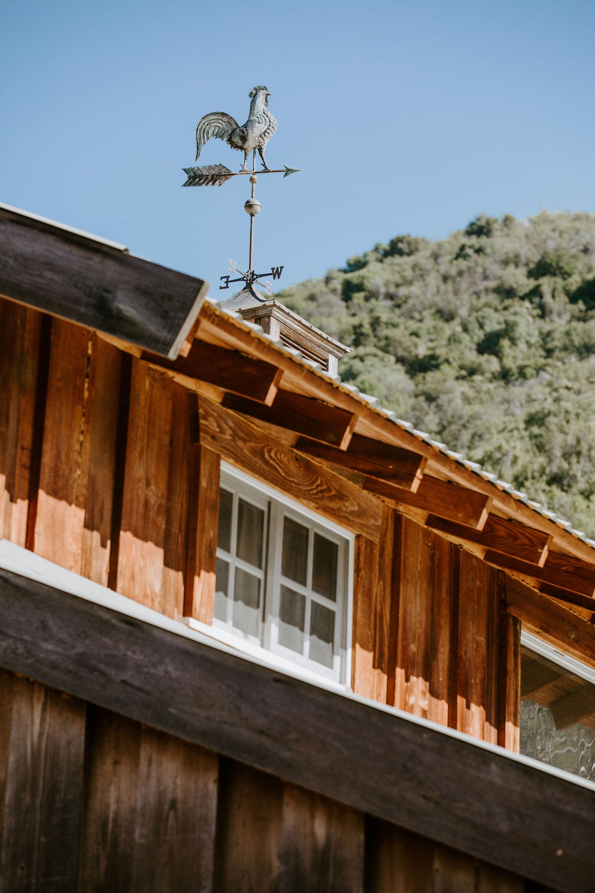 RedwoodRanch_Geoff&LyndsiPhotography_Mike&Amanda_GettingReady11.jpg