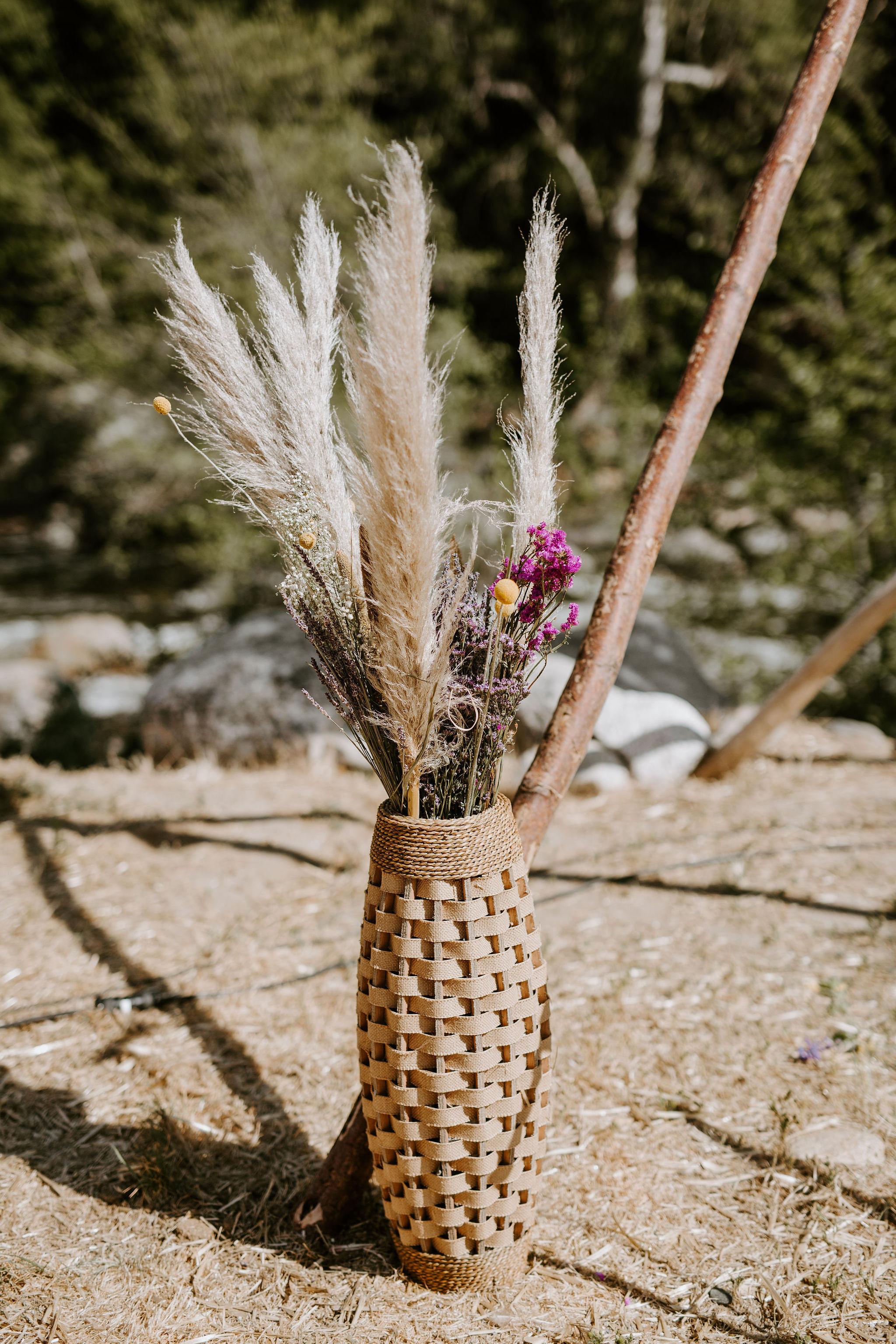 RedwoodRanch_Geoff&LyndsiPhotography_Mike&Amanda_GettingReady4.jpg
