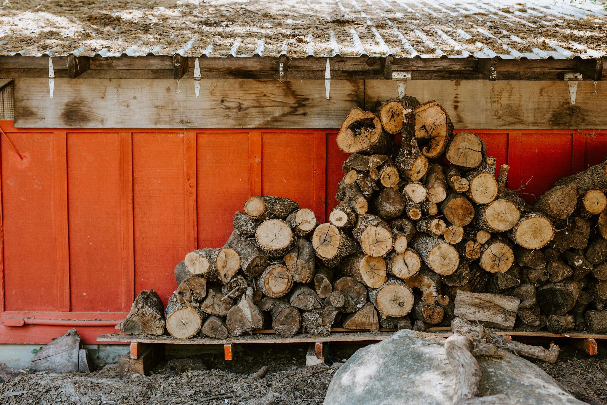 RedwoodRanch_Geoff&LyndsiPhotography_Mike&Amanda_GettingReady39.jpg