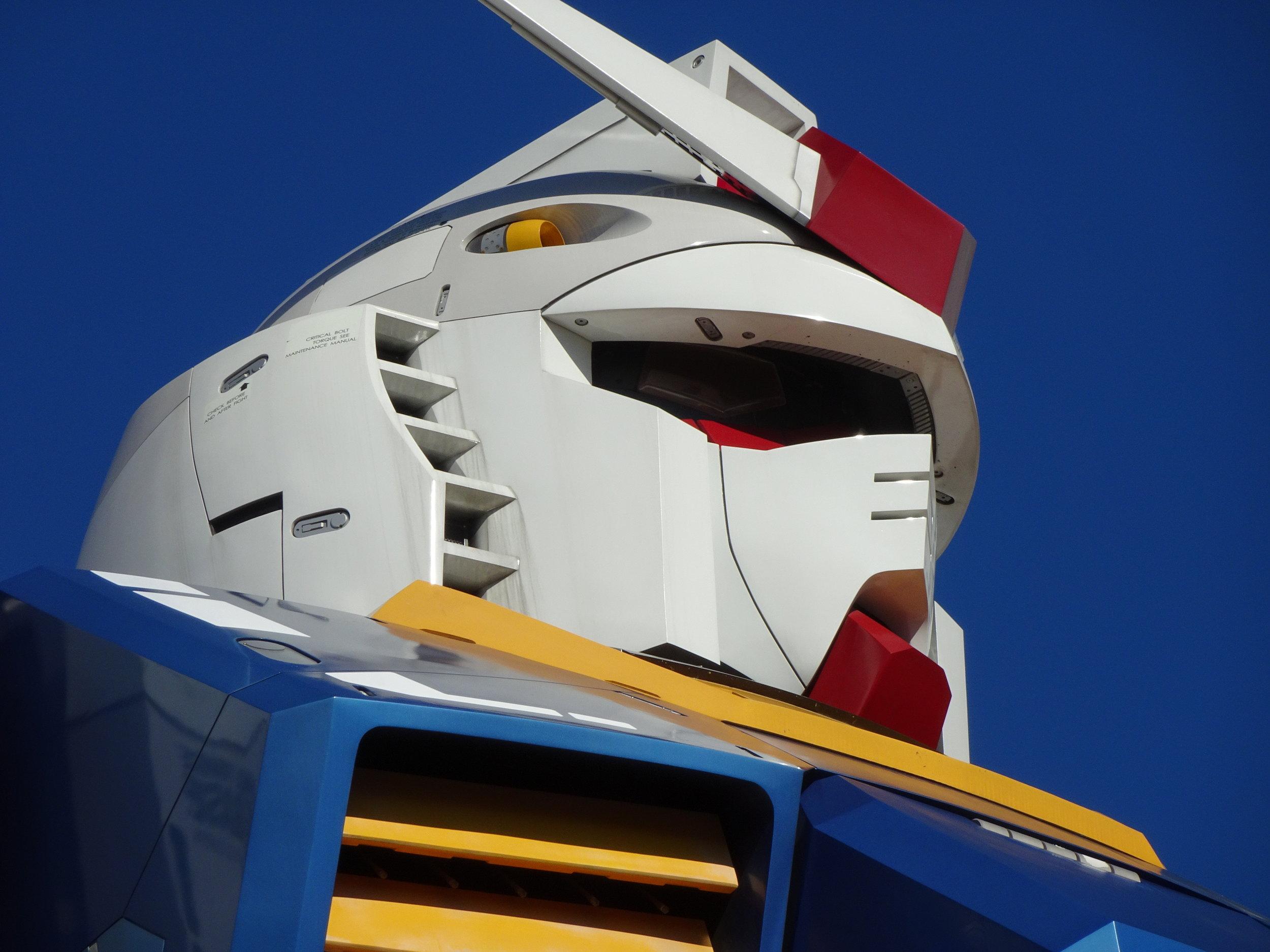 RX-78-2 Gundam 1-1 Statue - 029.jpg