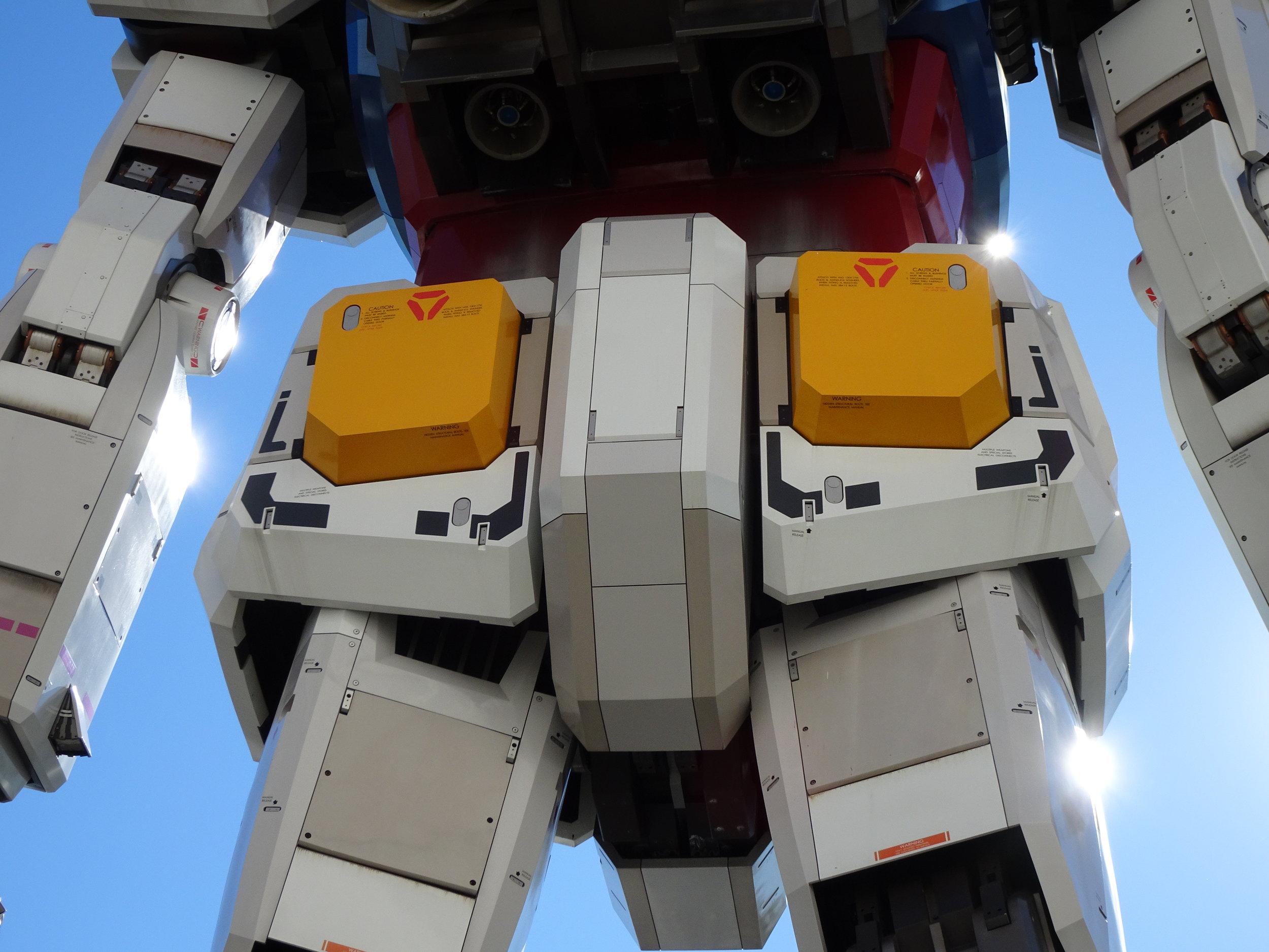 RX-78-2 Gundam 1-1 Statue - 049.jpg
