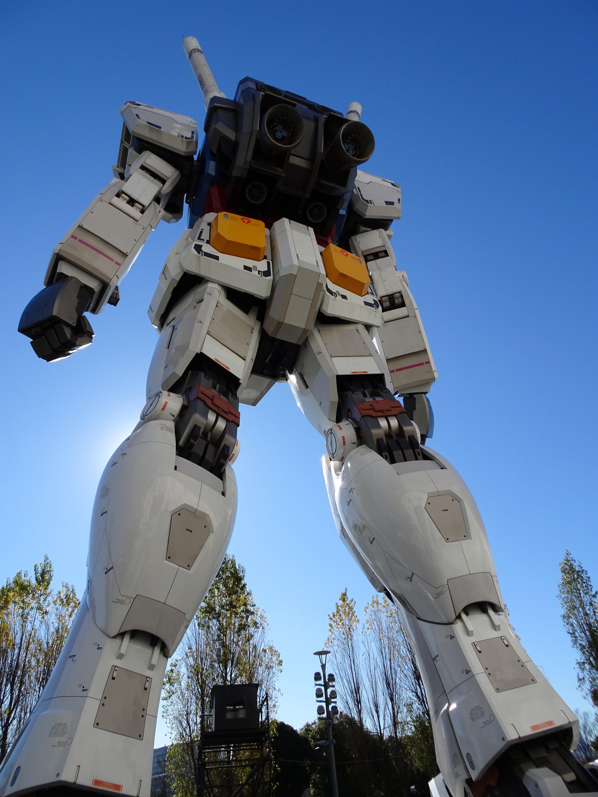 RX-78-2 Gundam 1-1 Statue - 062.jpg