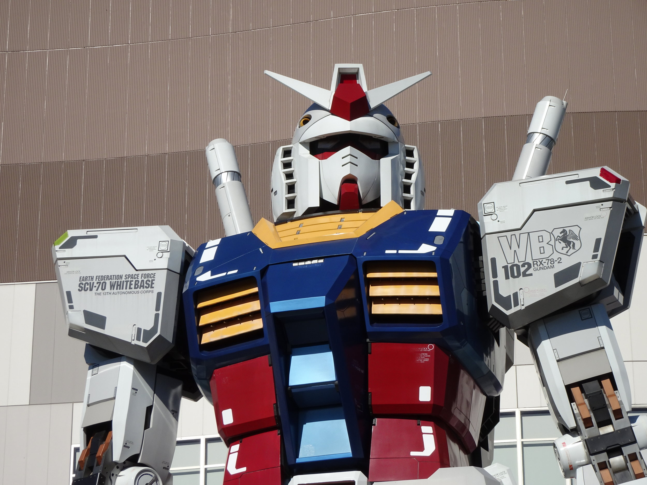 RX-78-2 Gundam 1-1 Statue - 072.jpg