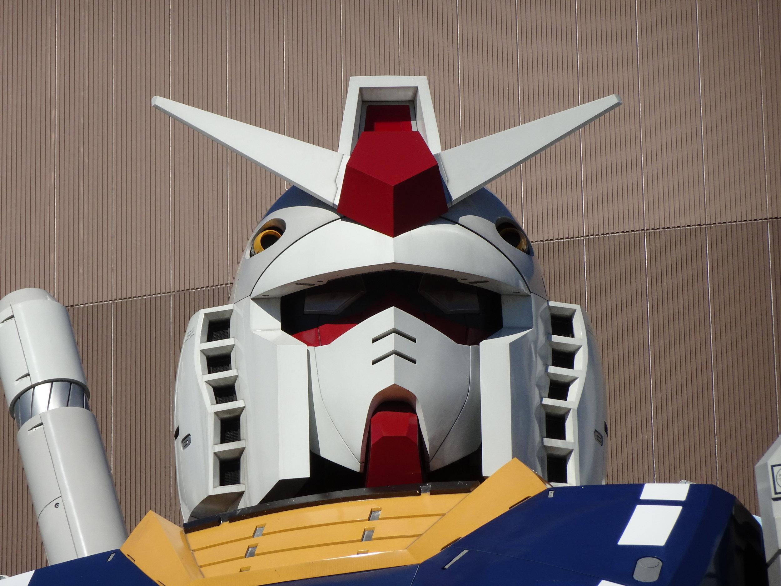 RX-78-2 Gundam 1-1 Statue - 073.jpg