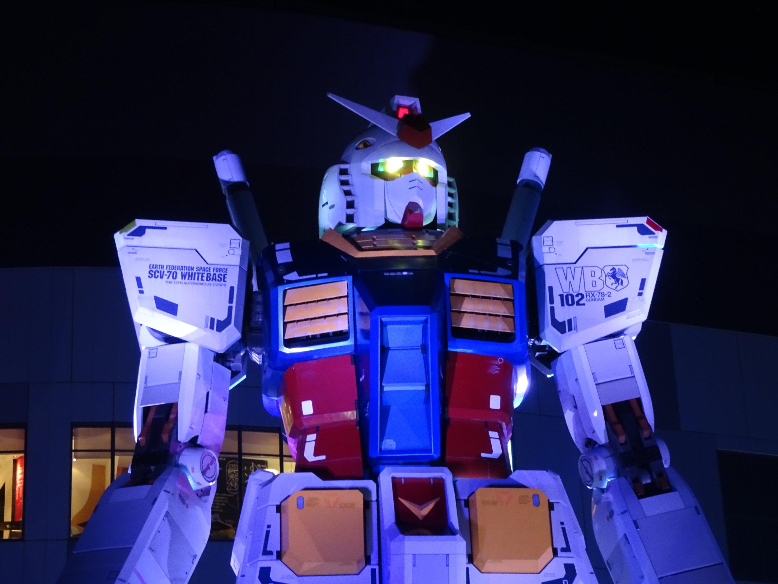 RX-78-2 Gundam 1-1 Statue - 074.jpg