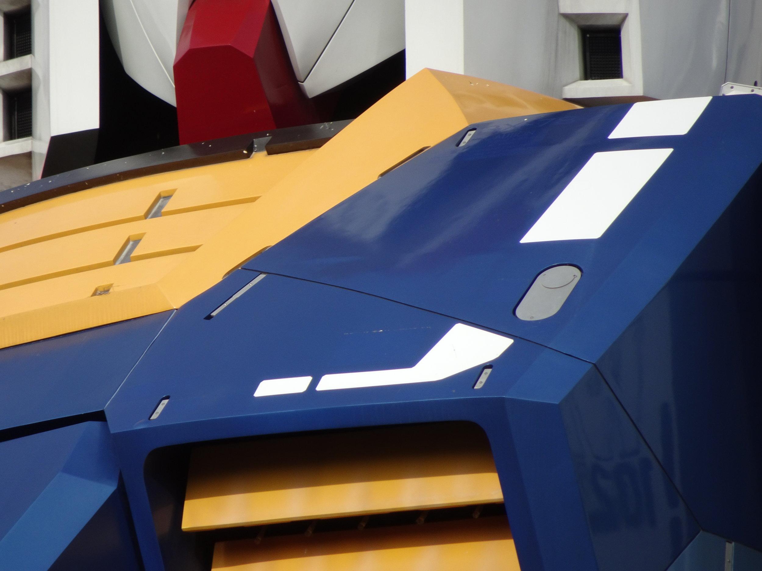 RX-78-2 Gundam 1-1 Statue - 084.jpg