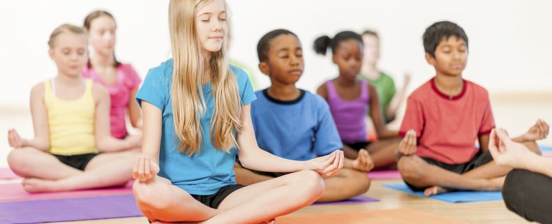 kids-yoga-be-here-now-yoga-791x321.png