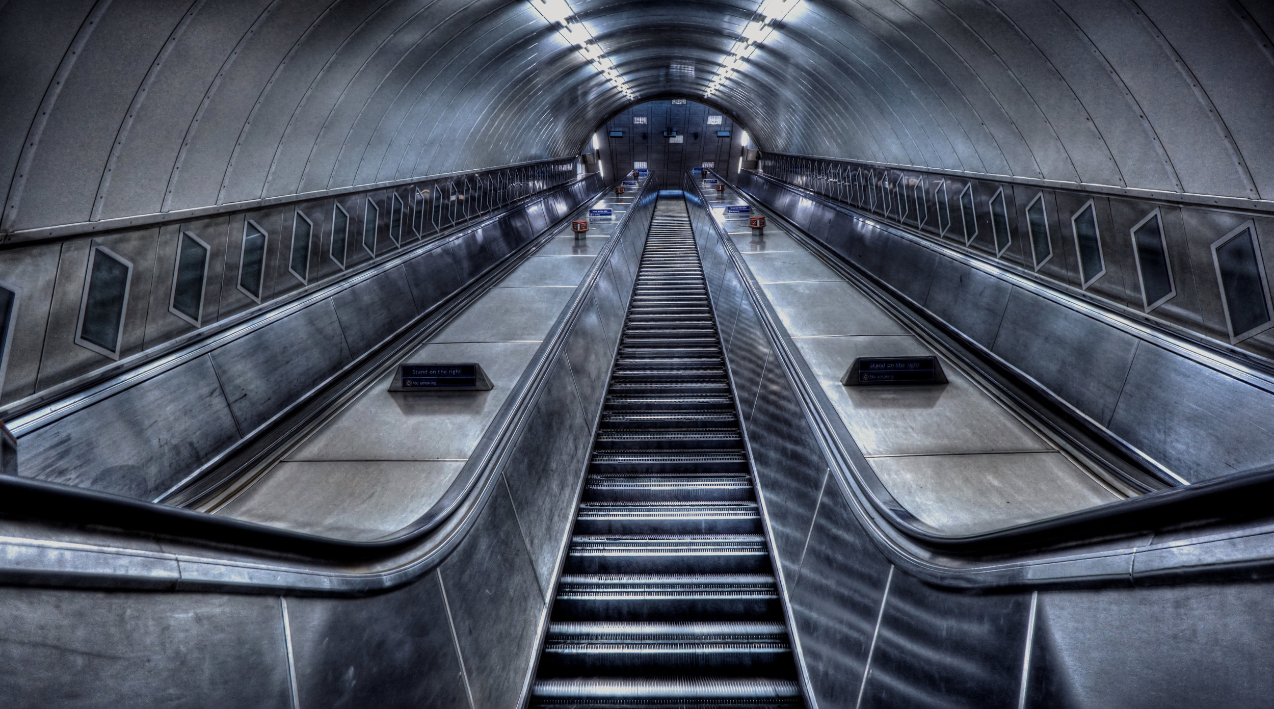 london escalator piclq.jpg