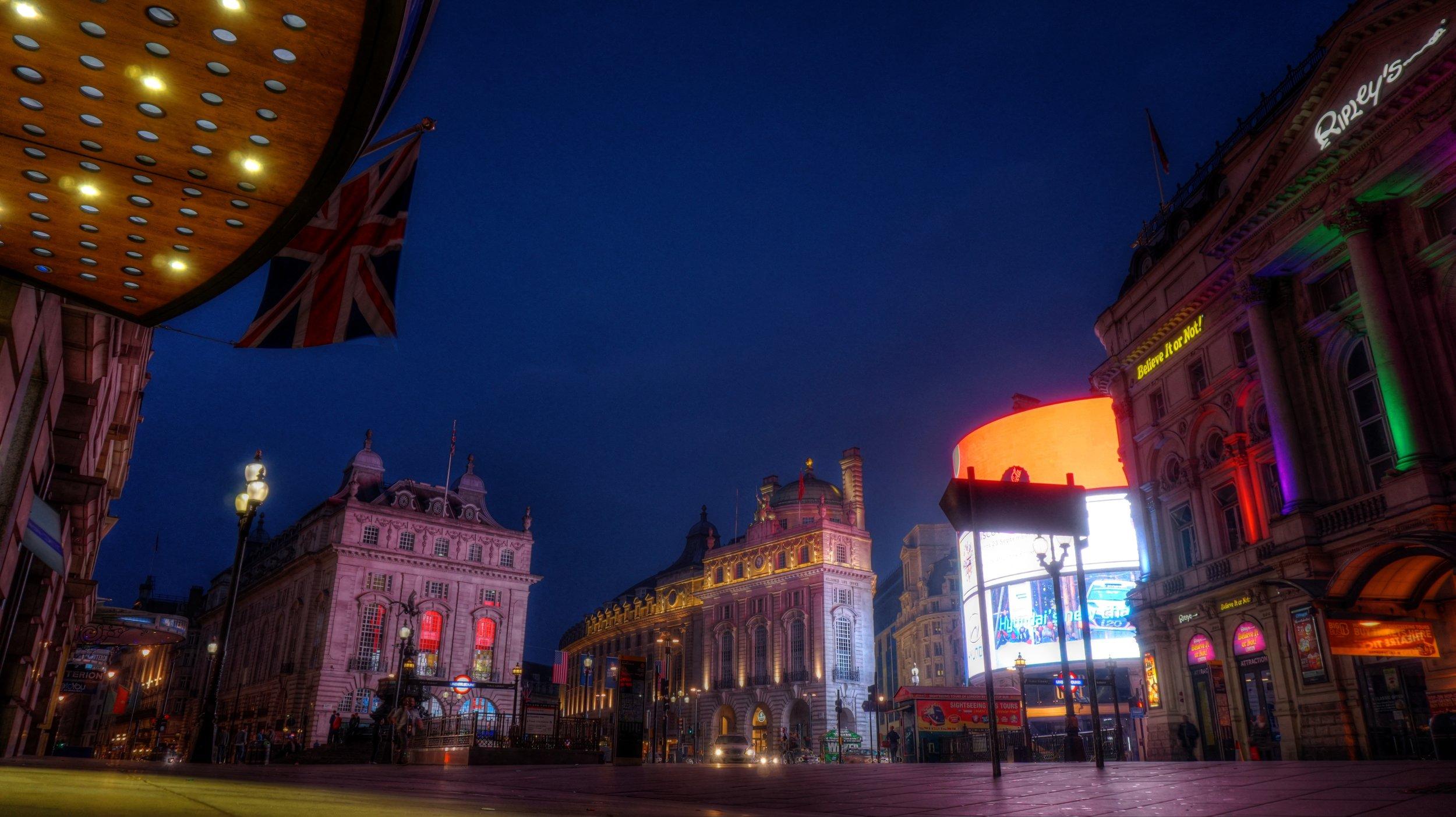 londonpoiccadillynight.jpg