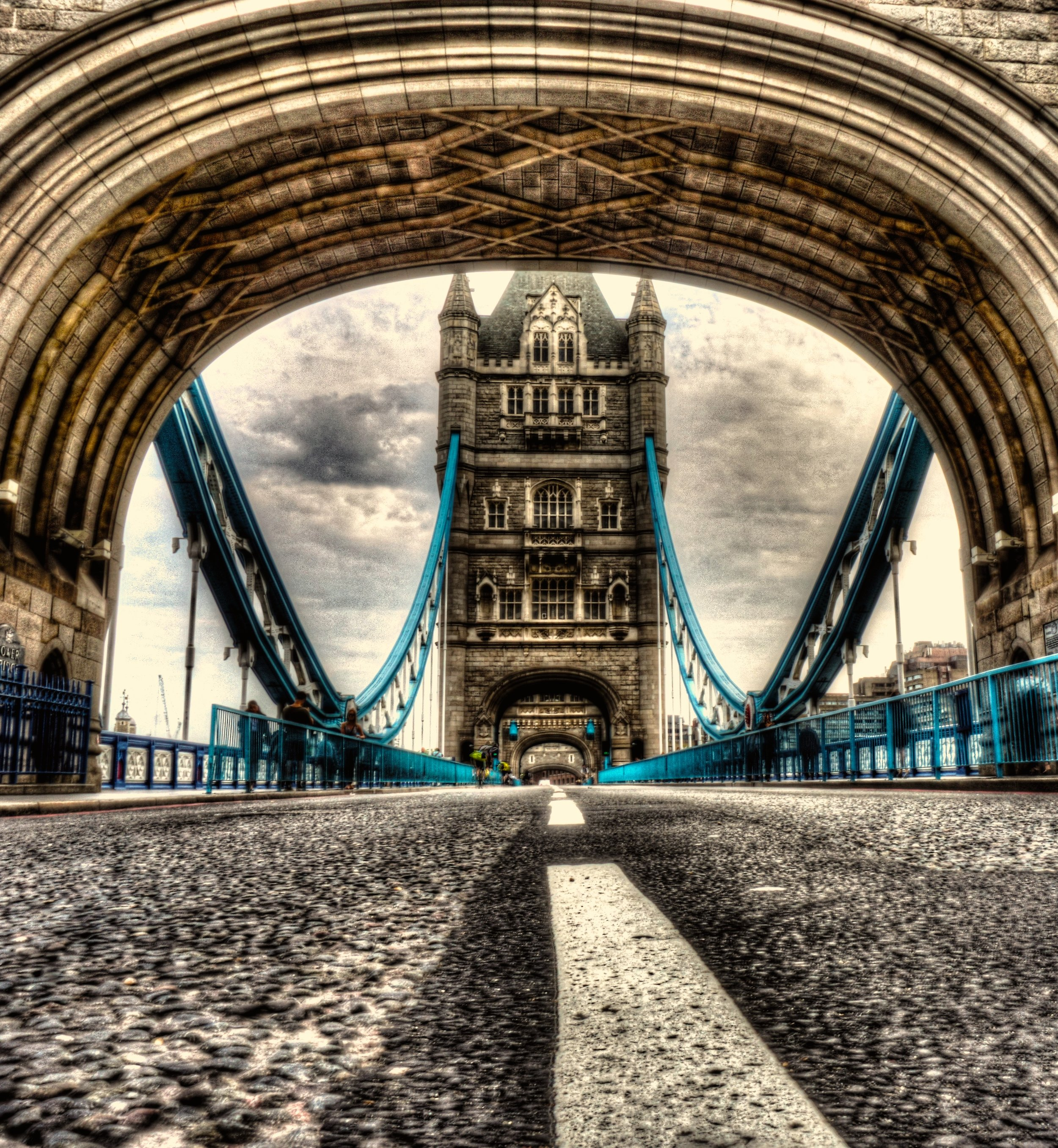 londontb.jpg