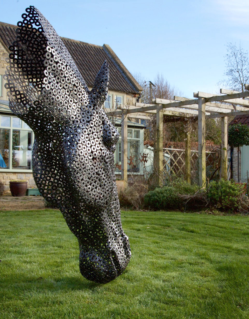 3. Horse-garden.jpg