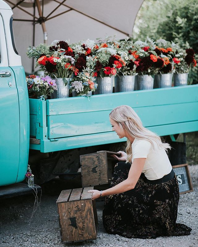 Eugene is all shined up, & we're busy preparing market bouquets and buckets of farm fresh flowers for the market tonight! Come & join us  for an August summer evening at the @inglewoodnightmarketyyc where we'll be from  5 - 11 PM! 🌿 . . 📷 @mirandawestonphotography