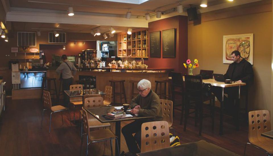 prairie-lights-cafe.jpg