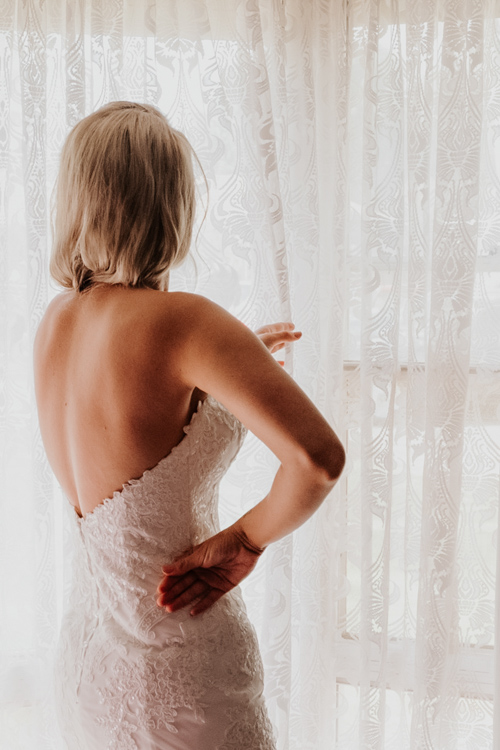 Tess Maree loves to document little love stories by capturing your day discreetly. She offers simple sessions for short durations at afforable prices to capture your day, your way.