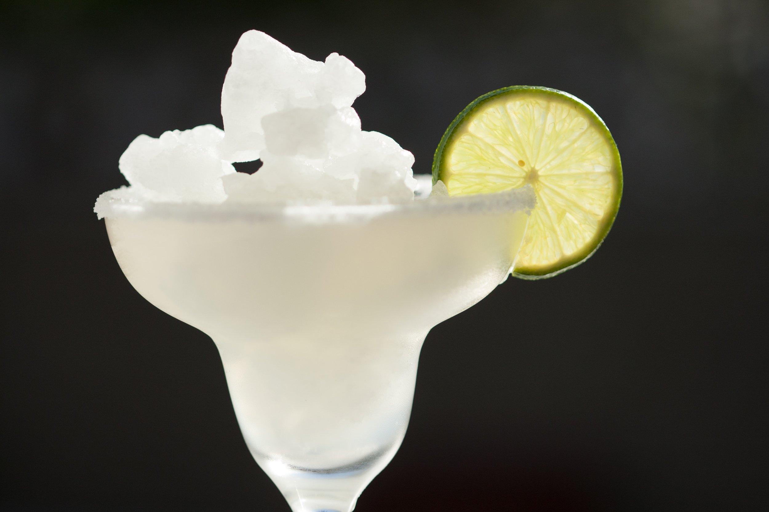 beverage-close-up-cocktail-1590151.jpg