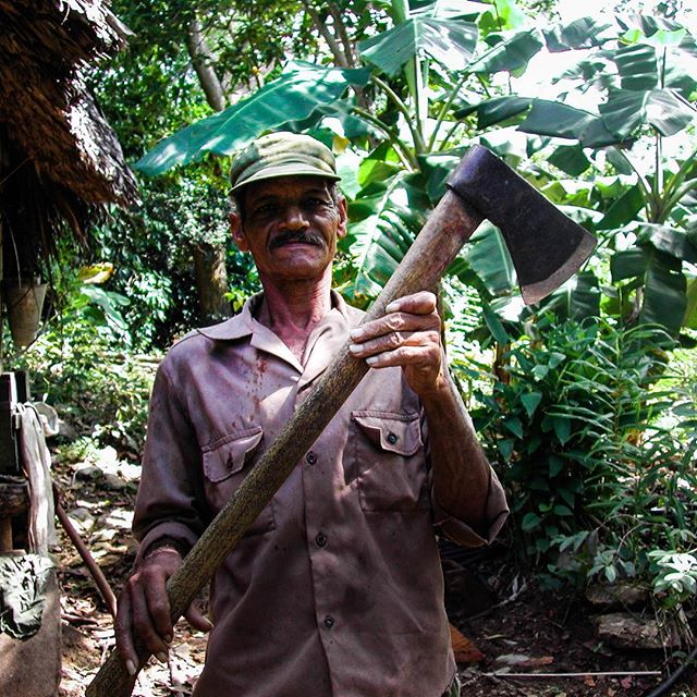 Babín crafts tools by hand. This axe is essential for farm work, but also earns him a pretty penny if he can sell it to someone in need. #storiesofcuba #tools #livelihoods #entrepreneur #ruralcuba #diezañosdespués