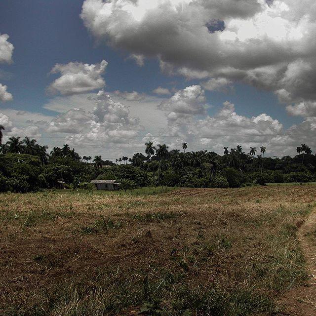 View from afar of Magín's house near the Sierra del Rosario in western #cuba #ruralcuba #farmers #landscape