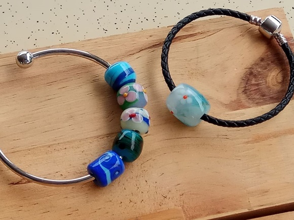 Glass beads1.jpg