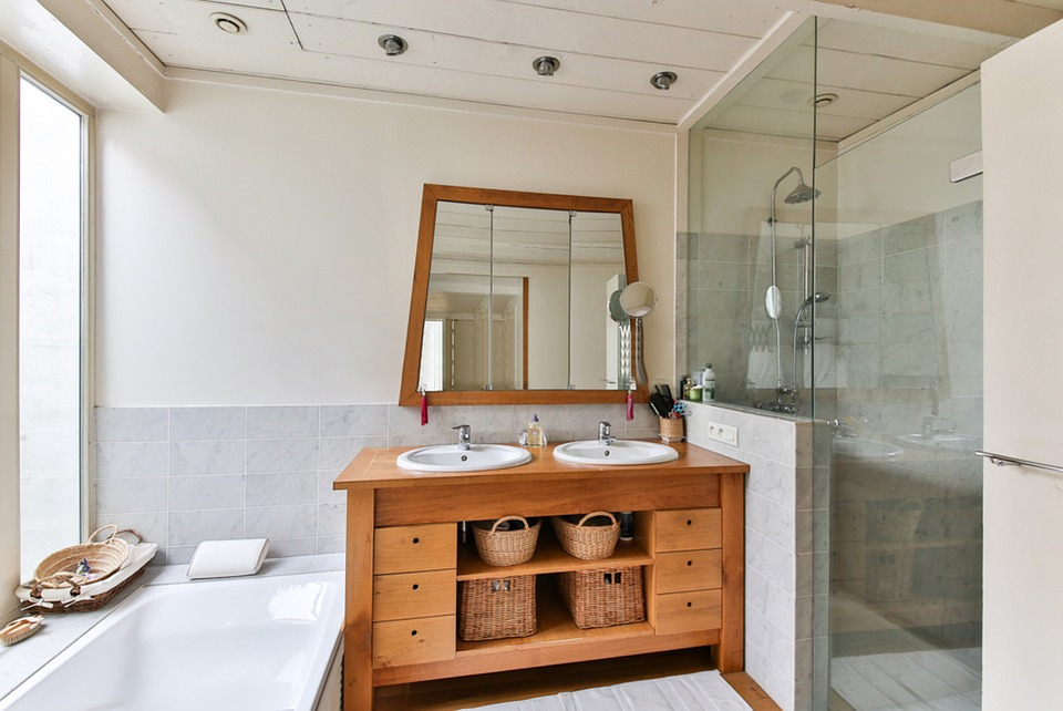bathroom-2132342_960_720.jpg
