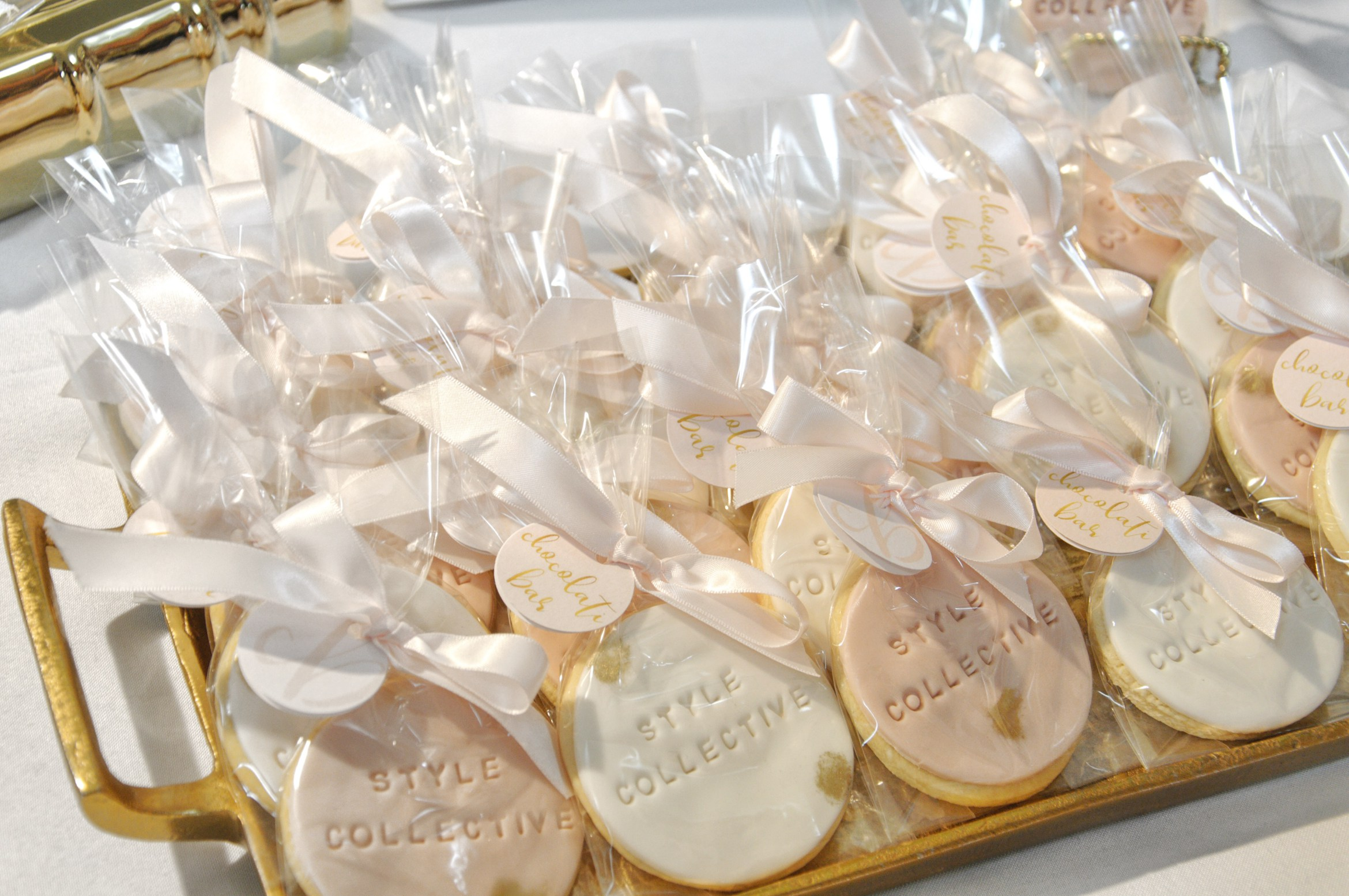 How adorable are these custom made cookies by  Chocolati Bar ?! These treats tasted as good as they looked, love all the details that went to personalize these cookies for the event.