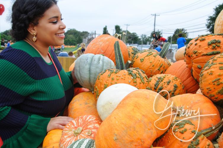 Greivy.com Hamptons Pumpkin Picking - 6.png