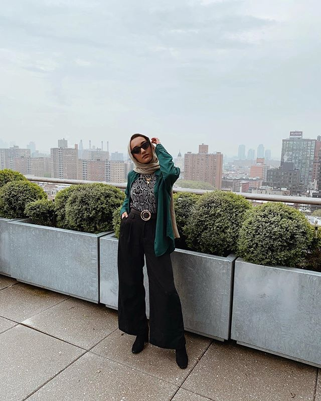 up high ☁️ / cheers to an amazing event filled with powerful women. thank you @halima for being the sweetest soul. honey's makin moves out hur. 🙏🏼 #halimaxmodanisa