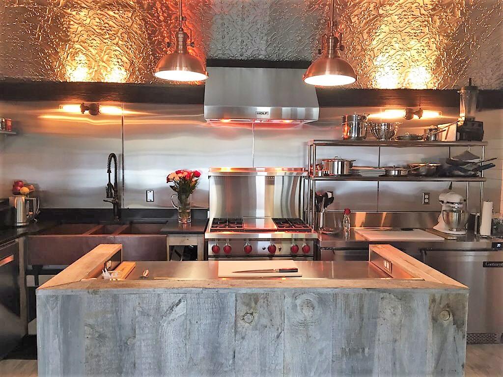 Sea Street Inn - Hyannis - Kitchen