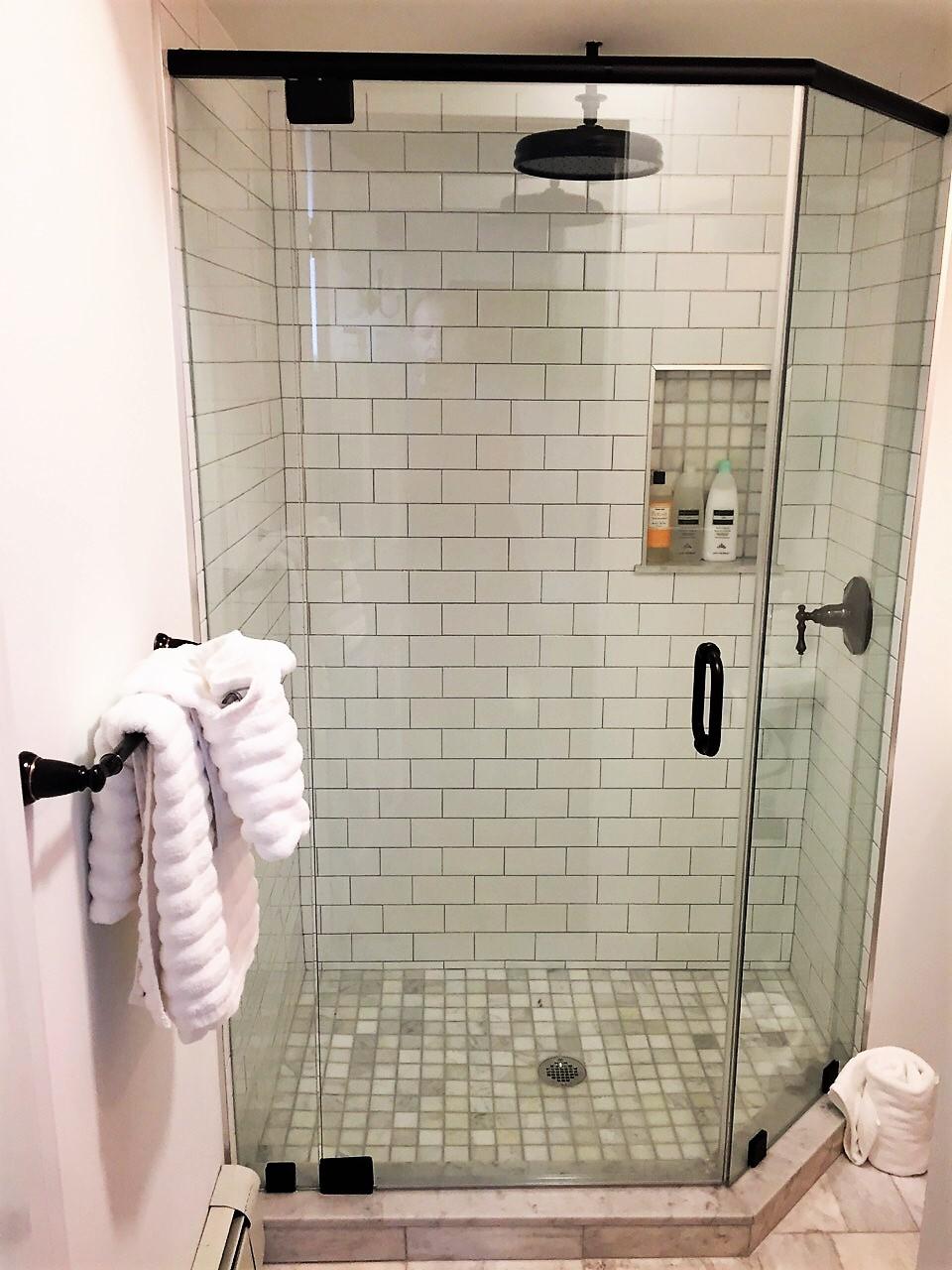 Sea Street Inn - Luxury King Bath.jpg