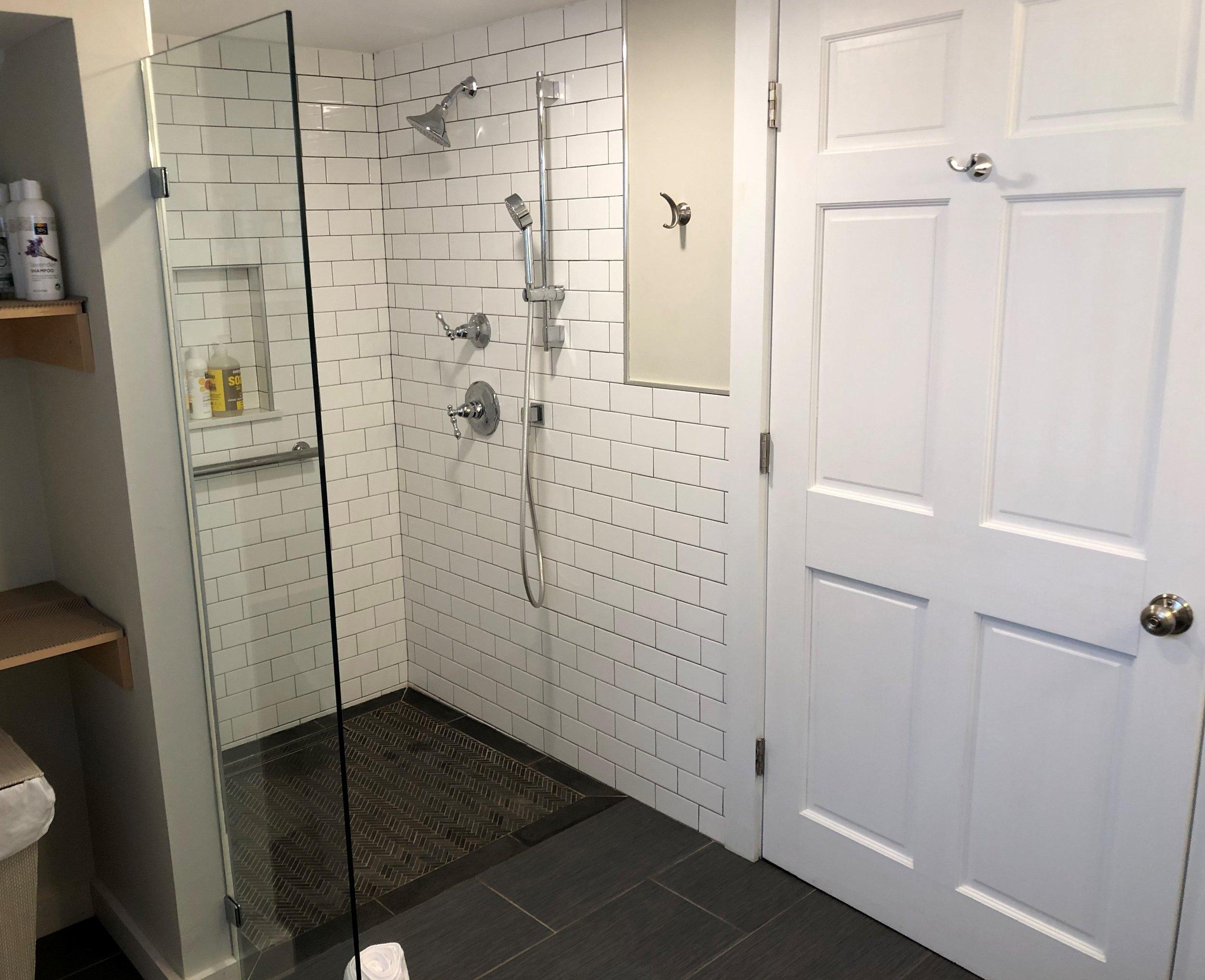 Sea Street Inn - Suite One Bath 2.jpeg