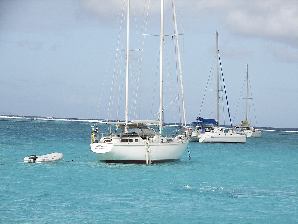 ThreeSailboats_Dinghy1_20060105_0198.jpg