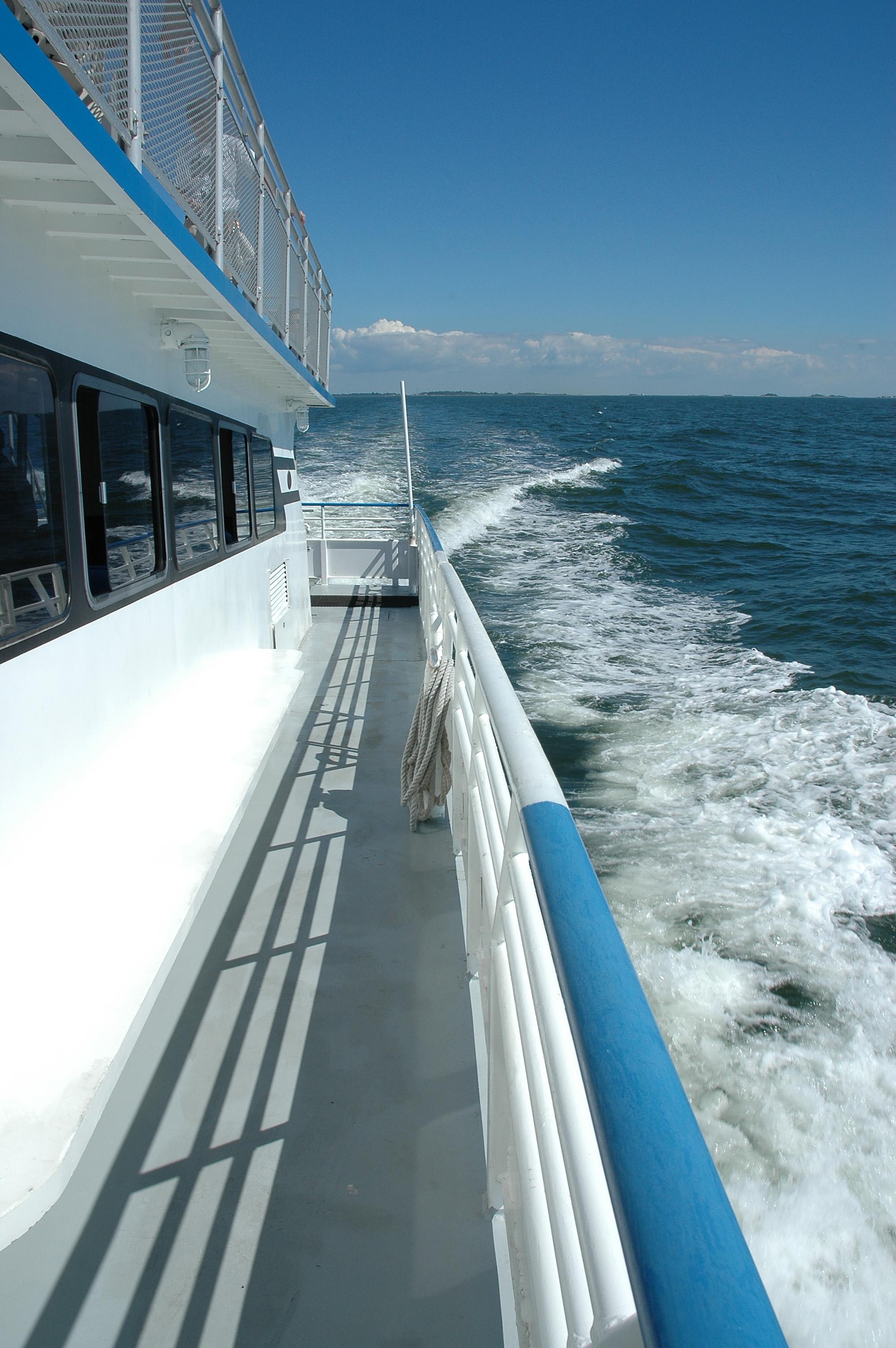 Motorboat_Wake_0001.jpg