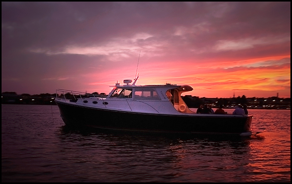 Powerboat_Sunset_20060728-0335a.jpg