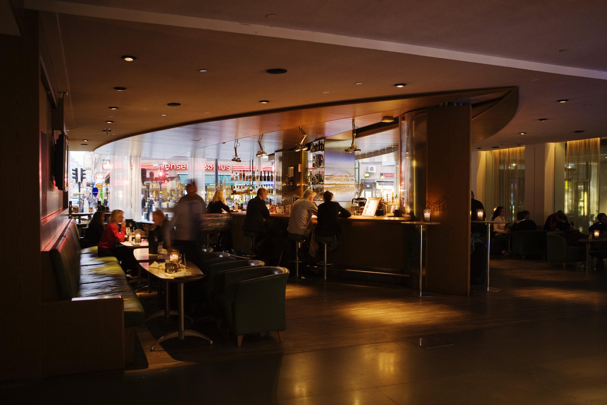 Lobbybaren från restaurangen.jpg
