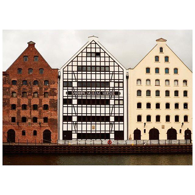 #gdansk 💛 #hopetoseeyouagain  one of the favorite cities we visited 💛  #happymonday #hungryforadventure