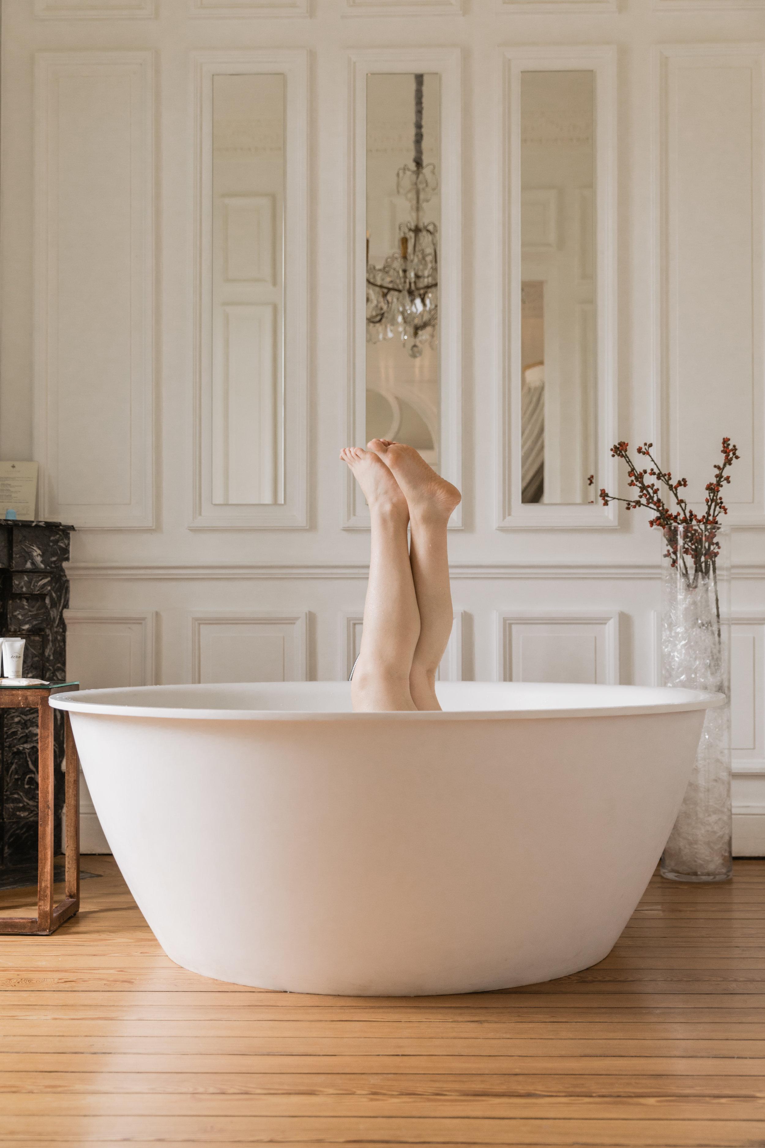 Marie_bathtub-3.JPG