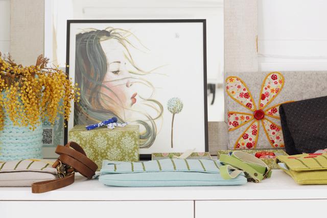 La preciosa ilustración  Niña Soplanado  es de Joana Santamans y la podéis encontrar  aquí