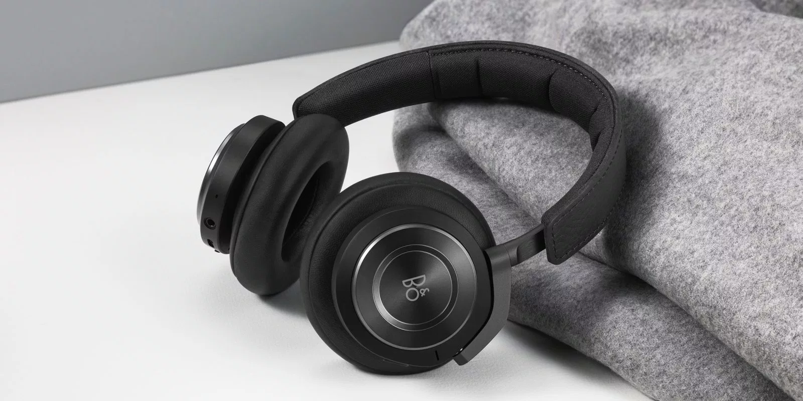 beoplay_h9_headphones_1.png