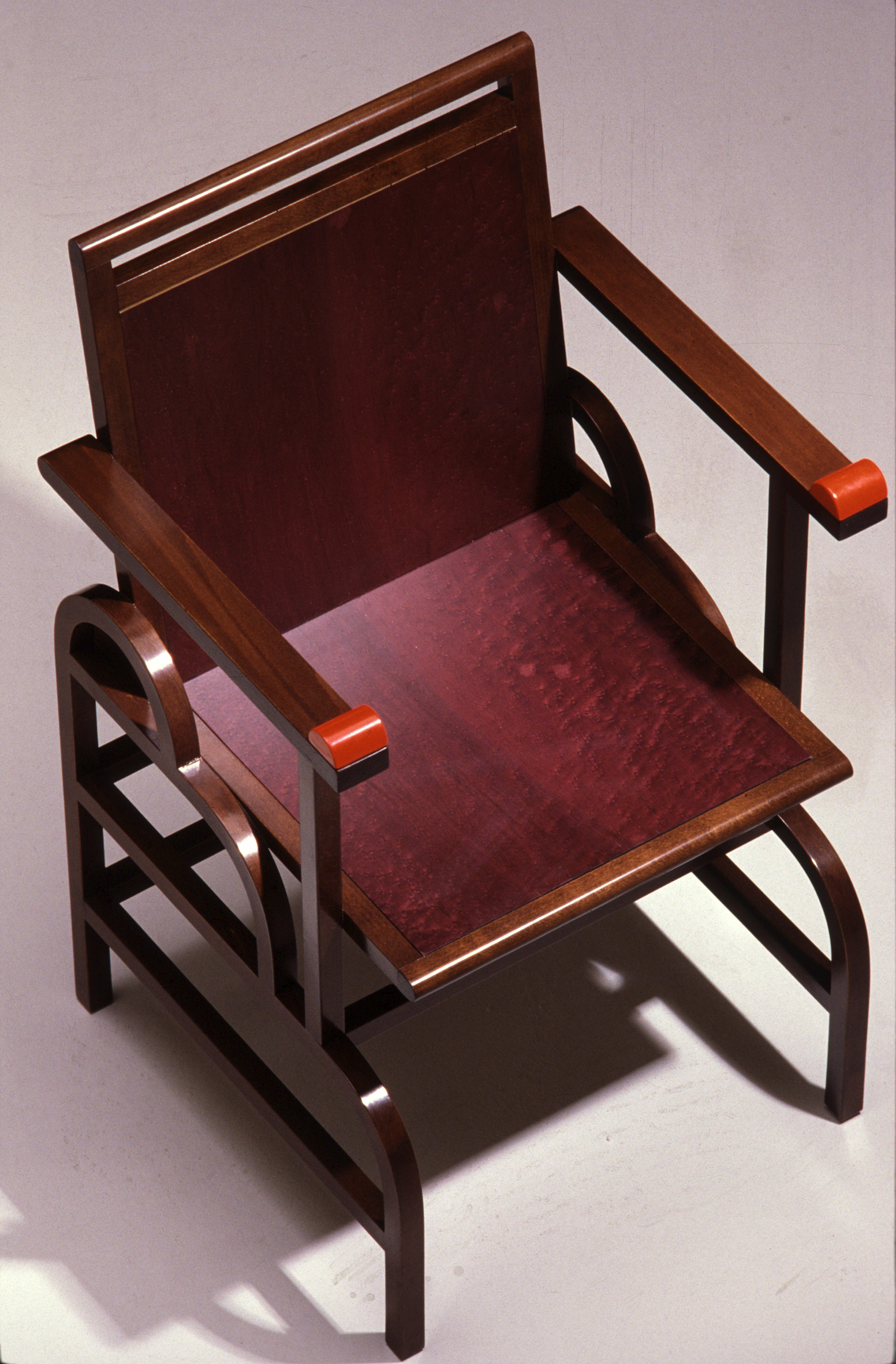 Memphis_Chair_Gloucester_persptop.jpg