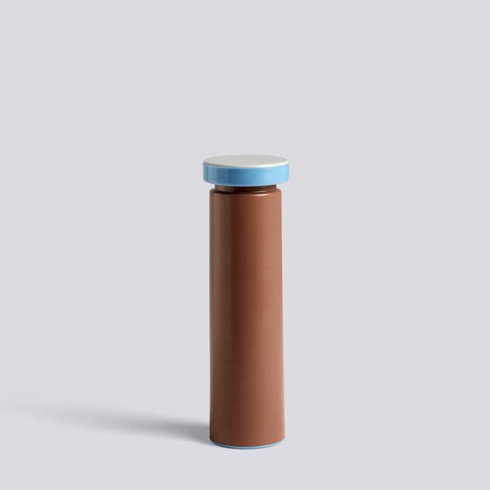506977zzzzzzzzzzzzzz__salt--pepper-m-terracotta_1220x1220_brandvariant.jpg