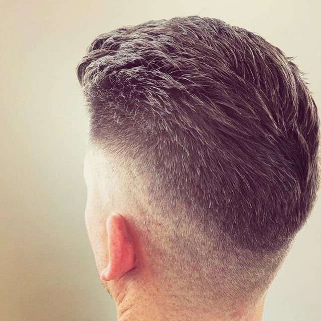 Did you know that @fugacentro we offer exceptional men's hair cutting as well? This cut is brought to you by our master stylist @lonnieglocks Contact is for your appointment today! Link in bio—  #milleniumpark #menscuts #chicagostylist #chicagomen #men #haircuts #menshaircuts #chicagohair #salon #chicagosalon