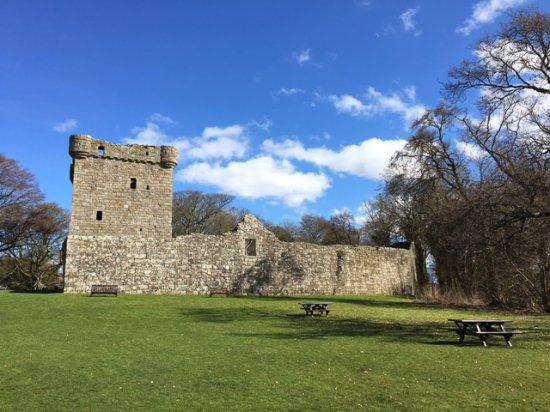 lochleven-castle.jpg